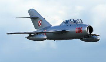 Обломки истребителя МиГ-15 обнаружили польские дайверы в озере Медве
