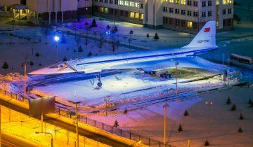 Ту-144 в Казани теперь светится